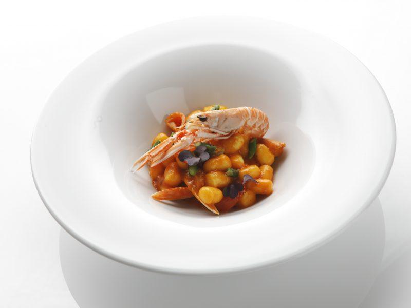 Gnocchetti, scampi e asparagi di chef Filippo Paoloni