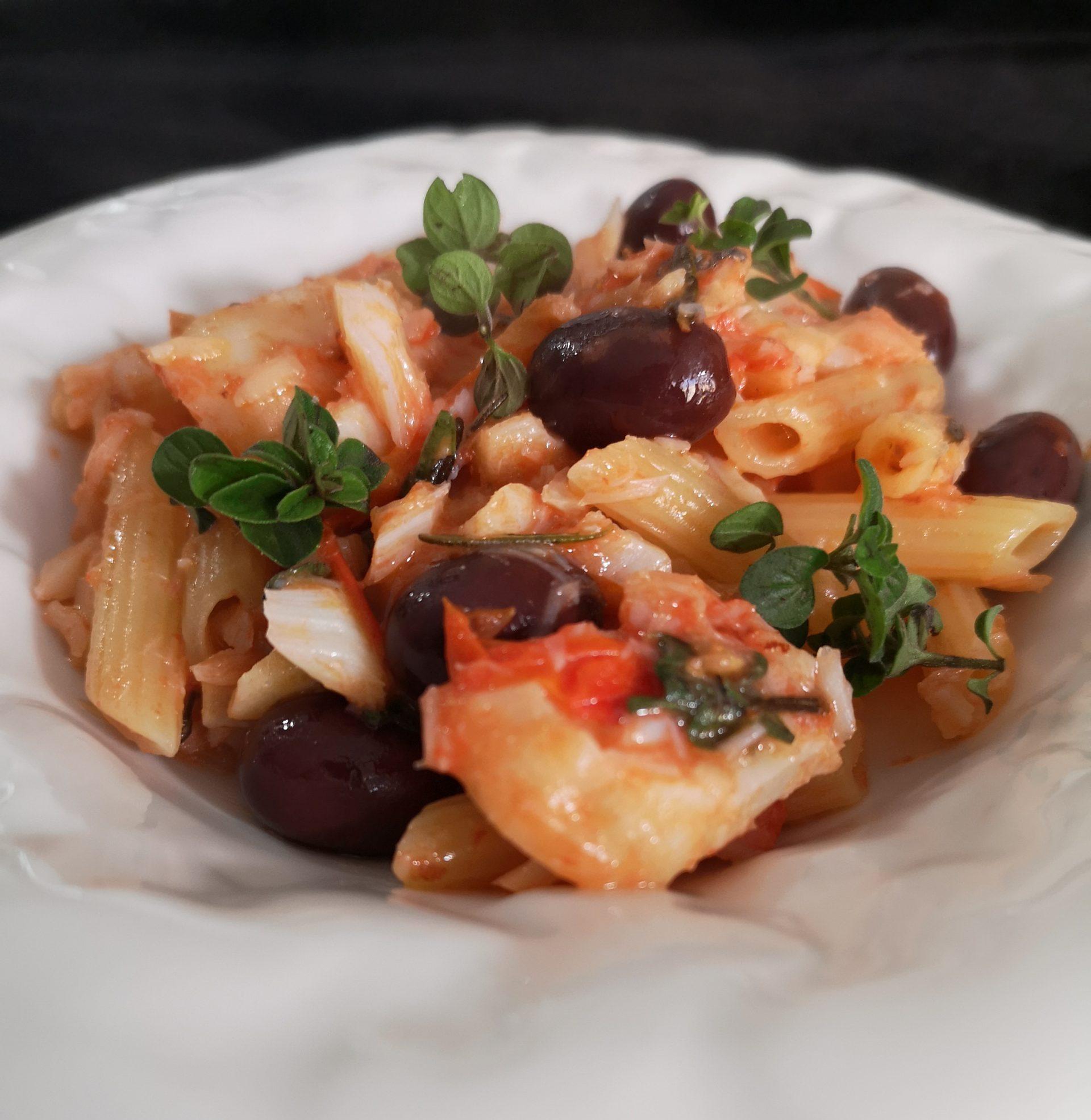 Pasta con baccalà in potacchio e olive nere