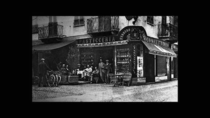 La prima pasticceria Ferrero via Maestra angolo via Pierino Belli anni 30