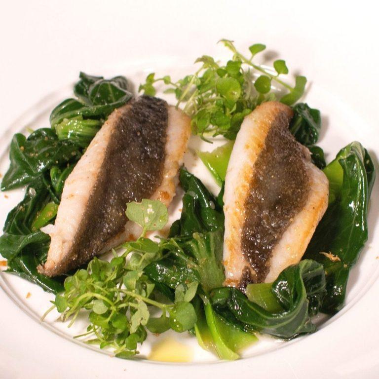 San Pietro in padella con Pak Choi: una ricetta dello chef Vincenzo Cammerucci del ristorante Camì