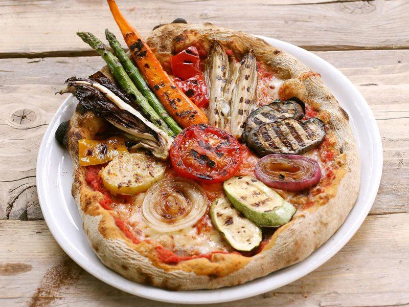 Pizza Contadina con pomodori,
