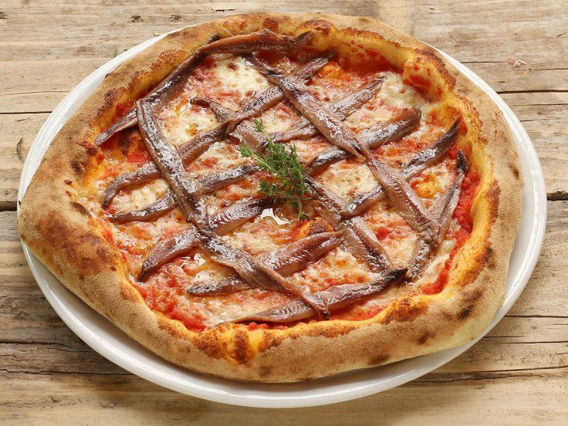 Pizza Trastevere con acciughe