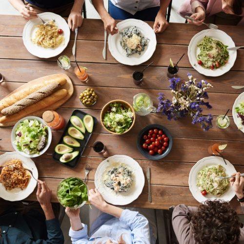 Consigli per evitare lo spreco alimentare ed essere più sostenibili a tavola